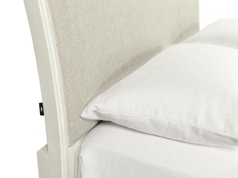 LORIS Queen Bed - Zoom